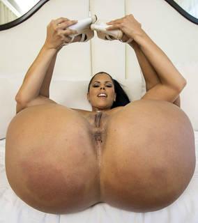 Nude juicy vagina closeup.